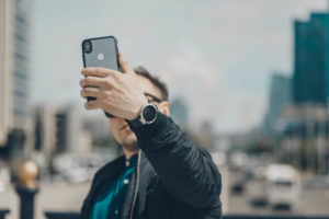マッチングアプリで「いいね」を貰うための写真の撮り方